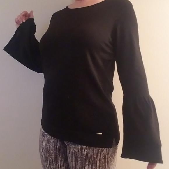 eea30731d3 Calvin Klein bell sleeve sweater